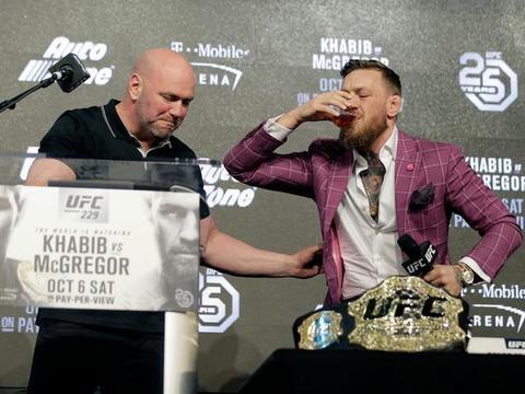嘴炮公开向WWE总裁,暗示打摔角比赛,这次彻底不会回归UFC