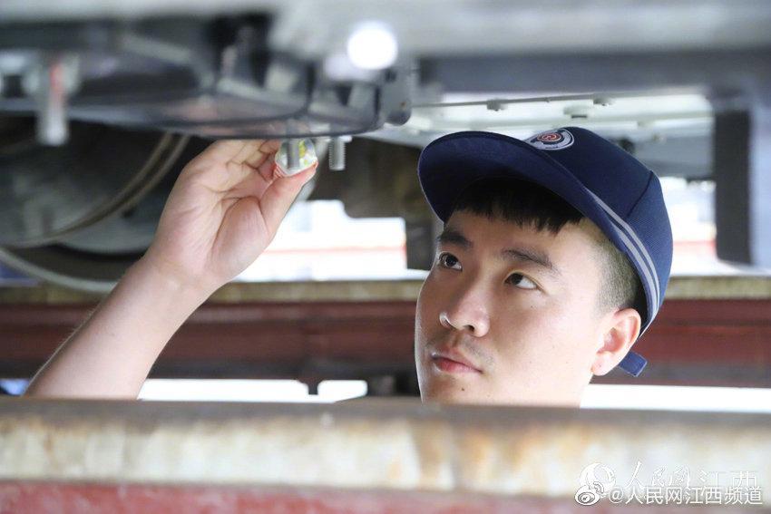 中国铁路南昌局集团精检细修备战暑运