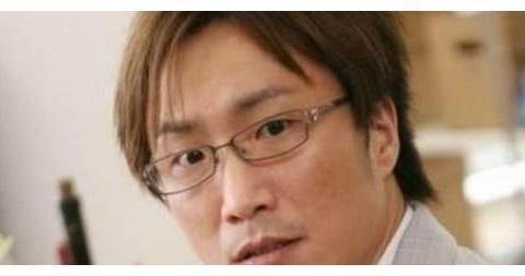 身价过百亿的五位男星,周星驰陈伟霆上榜,第四位拥有皇家身份!
