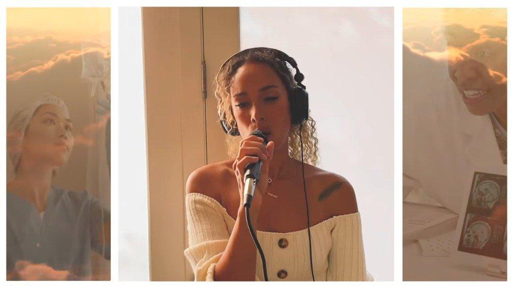 驴娜Leona Lewis在社交网络发布最新翻唱Angels……