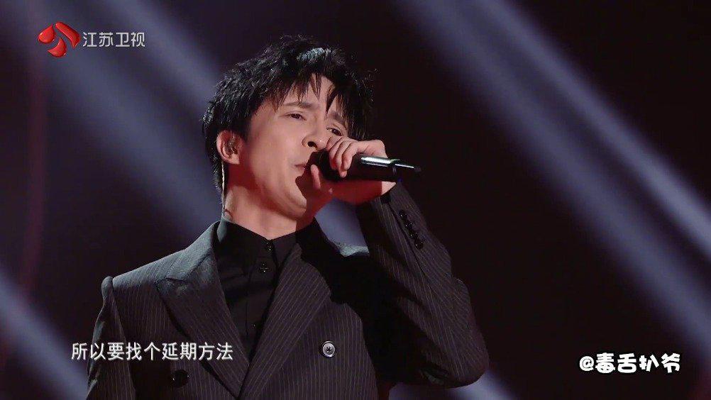 """还有谁能像薛之谦一样,唱歌的时候永远""""多动症""""?"""