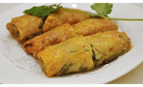 瓠子炒肉,香菇鲜肉腐皮卷,黄豆炒牛肉,辣白菜炖牛腩