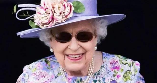 英国女王为什么对一条三层珍珠项链爱得深沉:珠宝背后故事动人