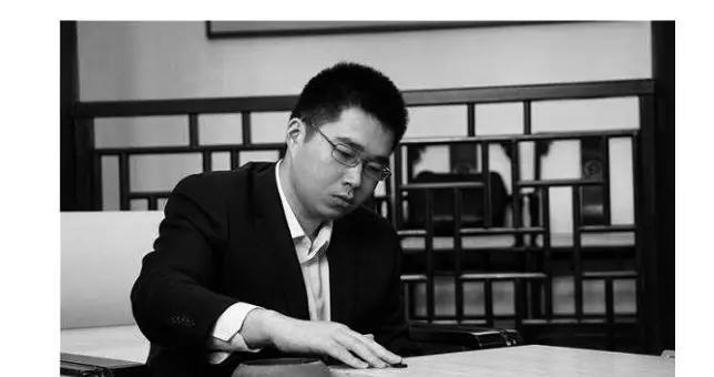 上海围棋协会讣告证实范蕴若坠楼身亡 队友:他所发朋友圈有征兆