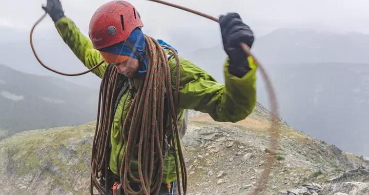 介绍一下户外品牌,今季必备Patagonia(巴塔哥尼亚)山系户外服