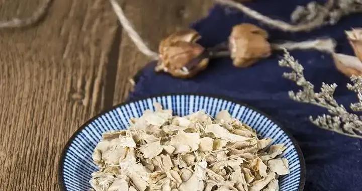 生姜不是万能的,温中要看干姜,温经依靠炮姜,和脾消肿是姜皮