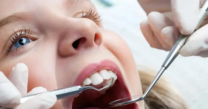 别忽视龋齿的危害,引起牙髓炎就不好治疗了