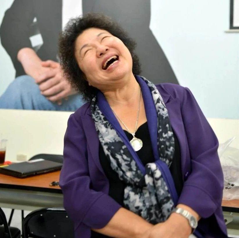 《中国时报》:愈护菊 愈心虚