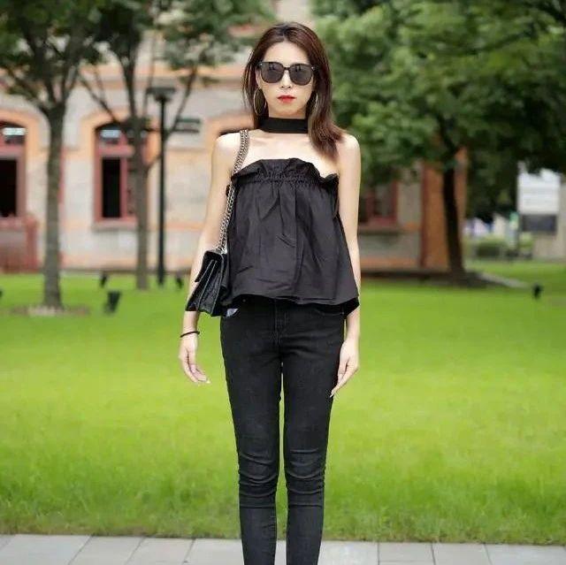 出门不知道穿什么衣服?可以先来试一下黑顺色搭配,不撞衫更洋气