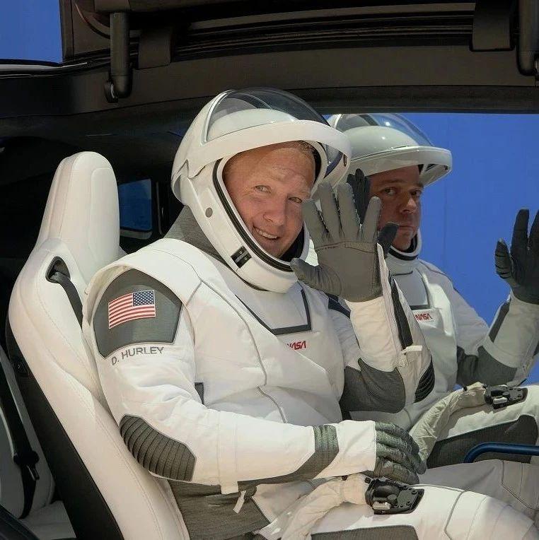 美航天局计划女航天员或2024年登月