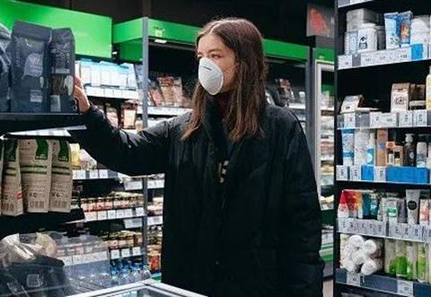 疫情改变消费观:希腊民众爱国货  电子支付成常态