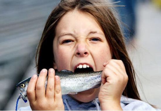 日本人生吃三文鱼这么多年,为什么啥事都没有?这点很关键