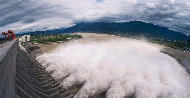 为什么三峡等水利工程,没有涨水前不开始泄洪,等涨水了才开闸?