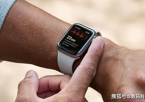 不用触屏就可控制?传Apple Watch有望在将来加入手势识别功能!