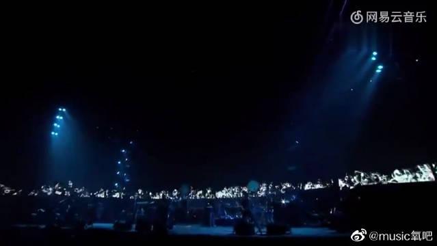 许巍《曾经的你》,这辈子一定要看一场这样的演唱会!
