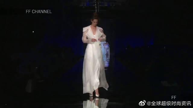 2020纽约时装周Elisabetta Polignano品牌婚纱秀,盛装出境……