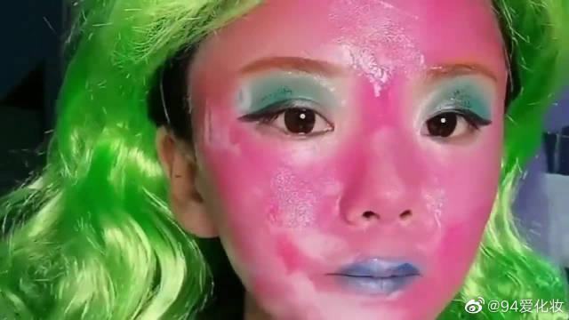谁让我用粉色粉底液的,真是太吓人了,毁容了