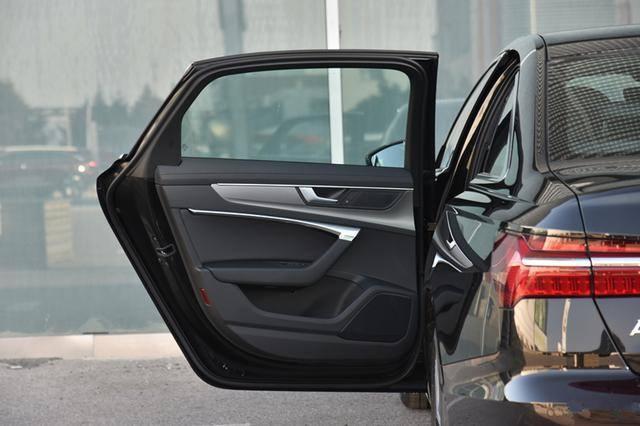 再跌9万!30岁成功男人的座驾,车身超5米噪音0,30天卖15621辆
