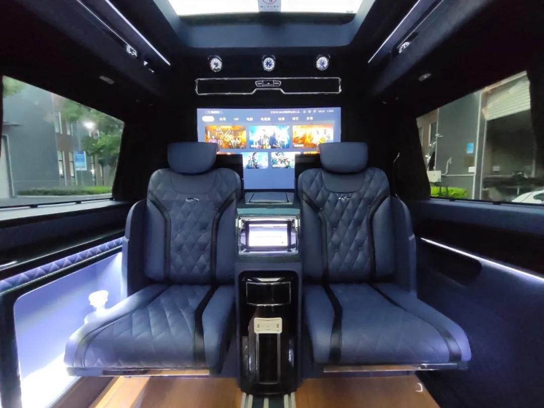 奔驰迈巴赫新款5+2版限量发售!真正的老板座驾