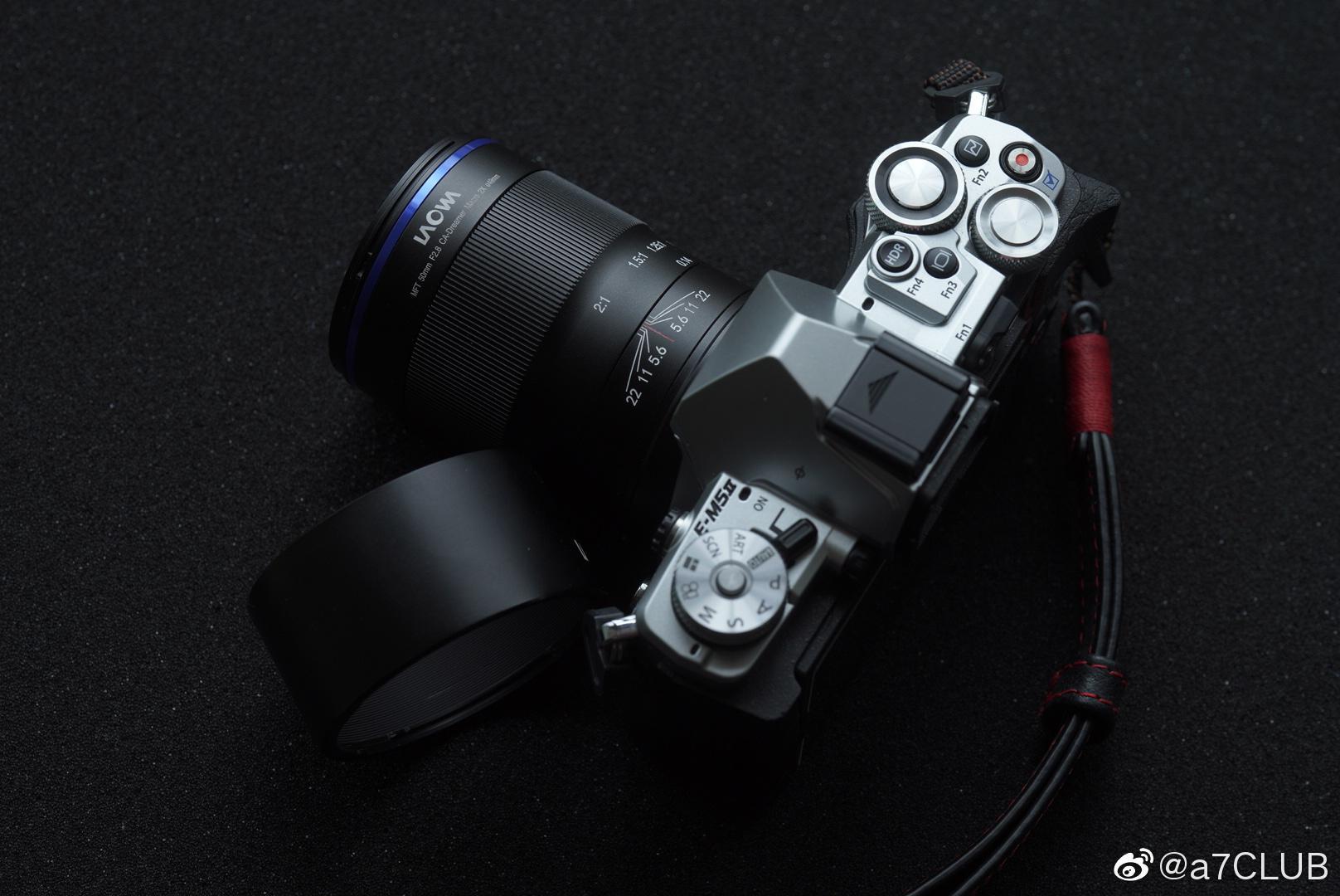 老蛙最新m43 2:1 50f2.8超微距镜头上手,带电子触点……