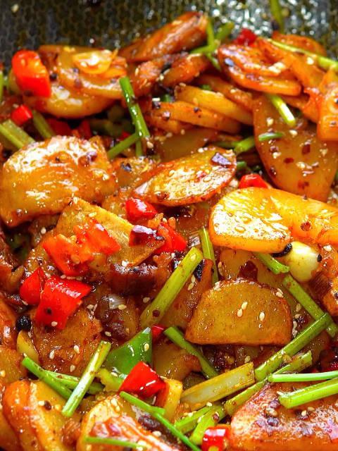 干锅土豆五花肉
