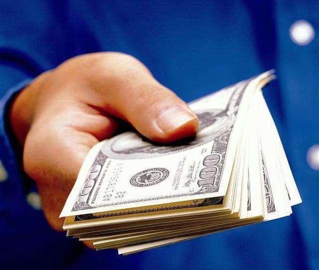 借朋友钱20w,一次性还清后,朋友追要利息,不知道该怎么办了?