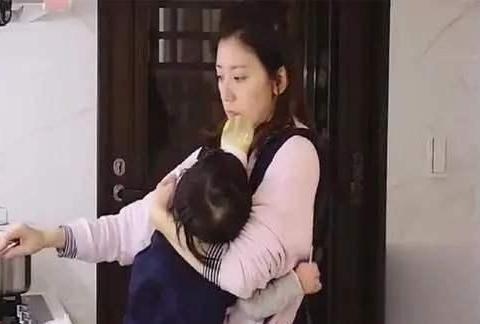 杨颖和赵今麦的宿舍遭公开,看完两人被子:当妈与没当妈的区别