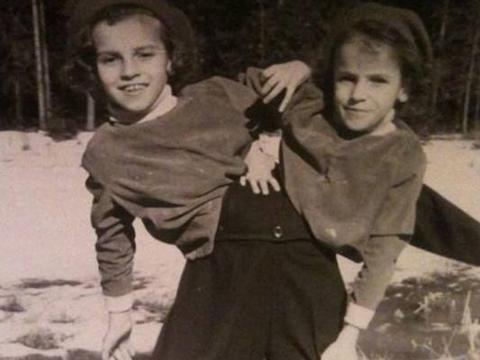 英国连体姐妹,性格完全不同,3岁就去马戏团表演,结局让人唏嘘