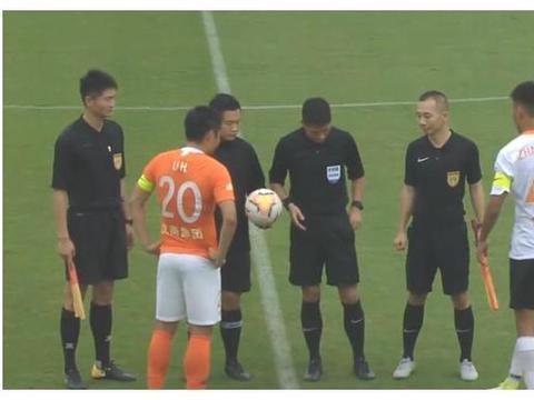6-0!武汉卓尔橙队大胜白队,埃弗拉首开纪录,巴普蒂斯唐戴帽