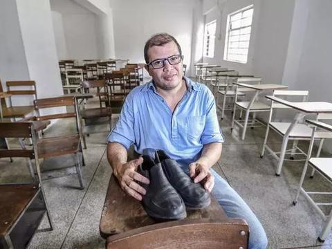 委内瑞拉教授月薪590万 却要四个月工资才够换个鞋底