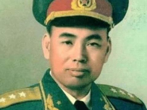 他虽然只是开国中将,却是很多上将的老首长,许世友对他特别尊敬