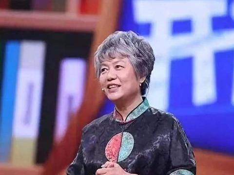 李玫瑾教授告诉你,孩子沉浸在网络世界,原因和责任都在家长