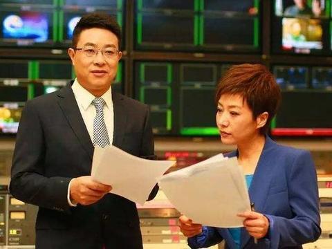 央视主持人贺红梅近照,大家很好奇,女神52岁了,究竟结婚了没有