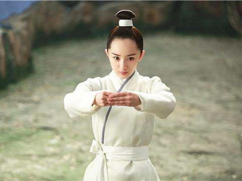 没有刘海的古装美人是雷还是美?看了唐嫣、杨蓉的对比就知道!