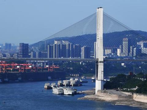 """我国两大""""火炉""""城市角逐:重庆和成都,哪座城市更适合夏天去?"""