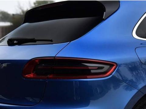 为什么轿车没有后挡风玻璃雨刮器,难道是为了节省成本?