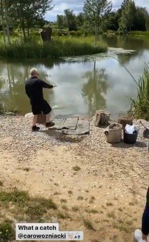 沃兹这是钓上来一条什么鱼,看着不太好吃的样子