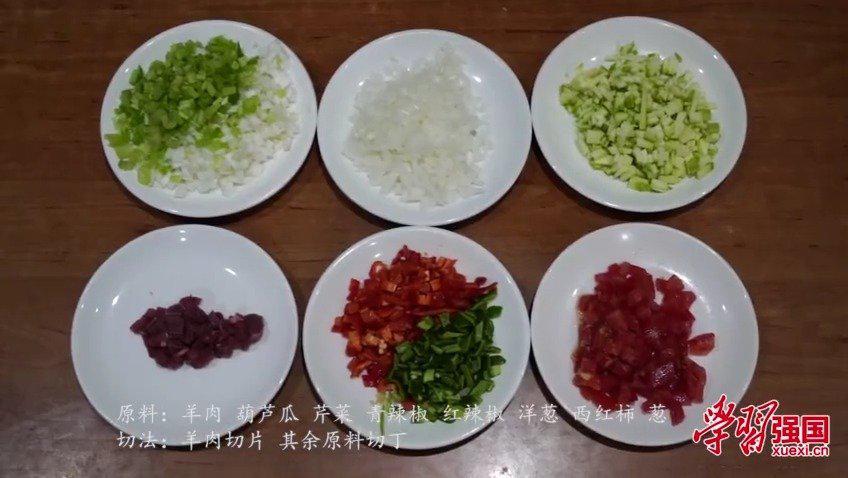 新疆美食:爽口的丁丁炒面这样做
