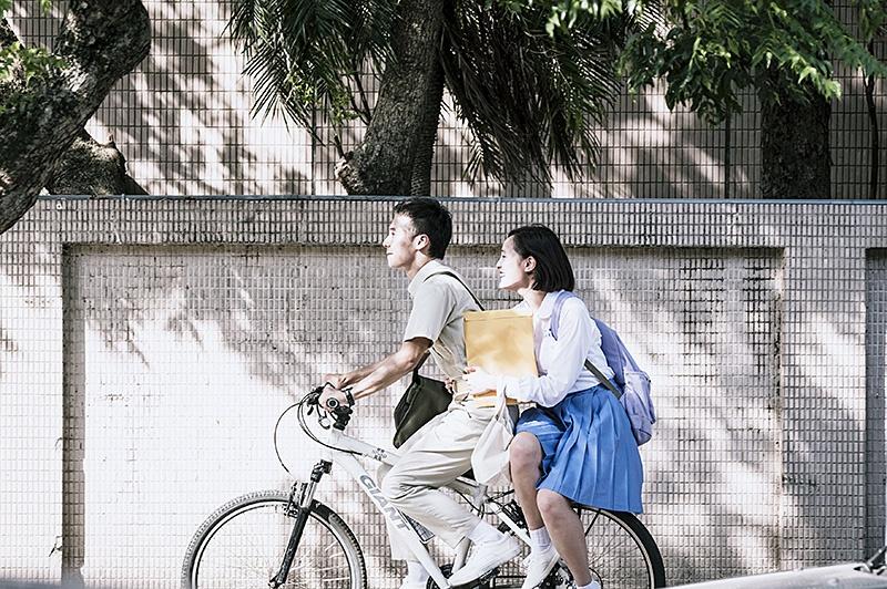 《你的孩子不是你的孩子》:用时光倒流教育孩子,父母是认真的吗