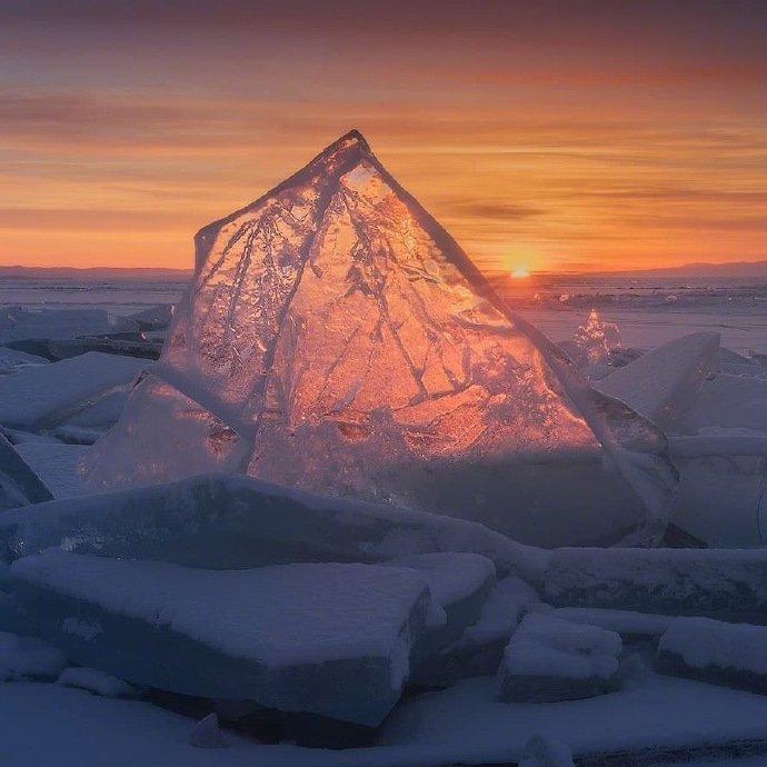 贝加尔湖 这一生一世,这时间太少, 不够证明融化冰雪的深情~