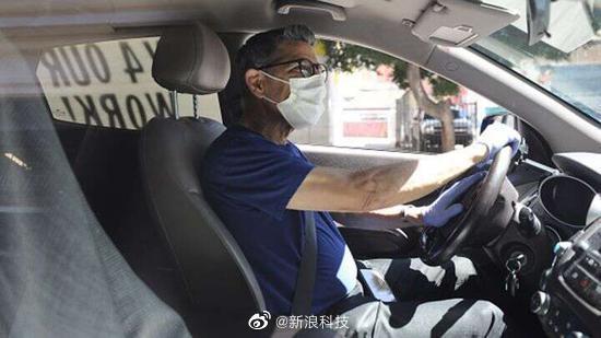 Uber要求乘客和驾驶员无限期佩戴口罩