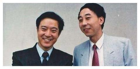 他和冯巩是搭档,在事业巅峰选择经商,如今妻离子散晚年凄凉