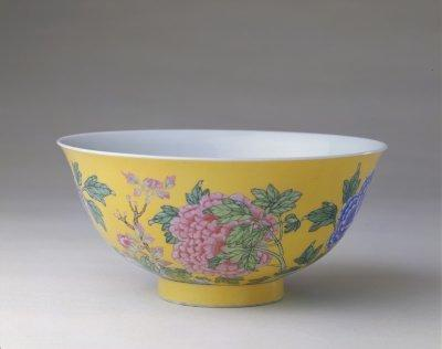 从用料、瓷胎、彩绘到作坊,完整体现了珐琅彩瓷器的上亿价值