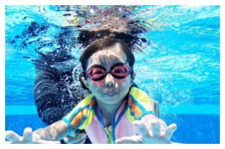 下楼即享星空泳池 给予孩子快乐向上的童年