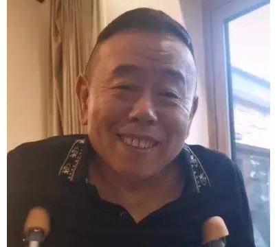 突发:63岁潘长江左脚粉碎性骨折,明年的央视春晚又上不了了