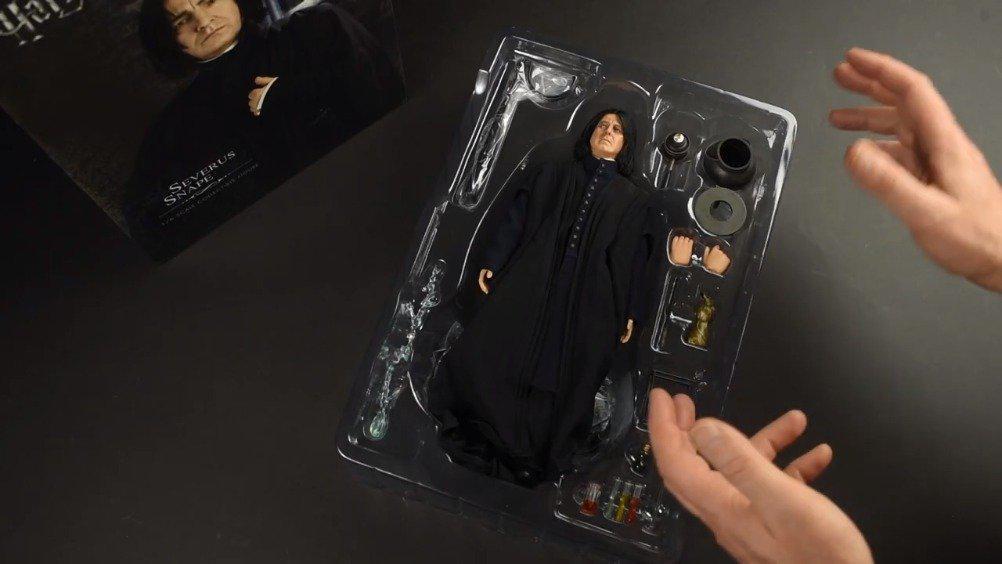 Star Ace斯内普人偶的完整开箱视频。斯内普人偶1/6大小……