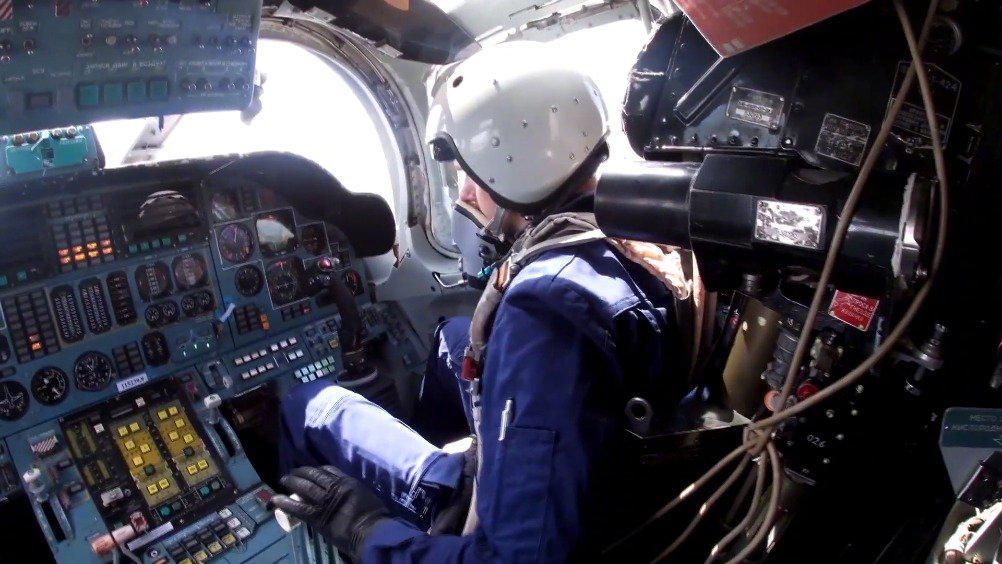 图-160轰炸机灭火训练