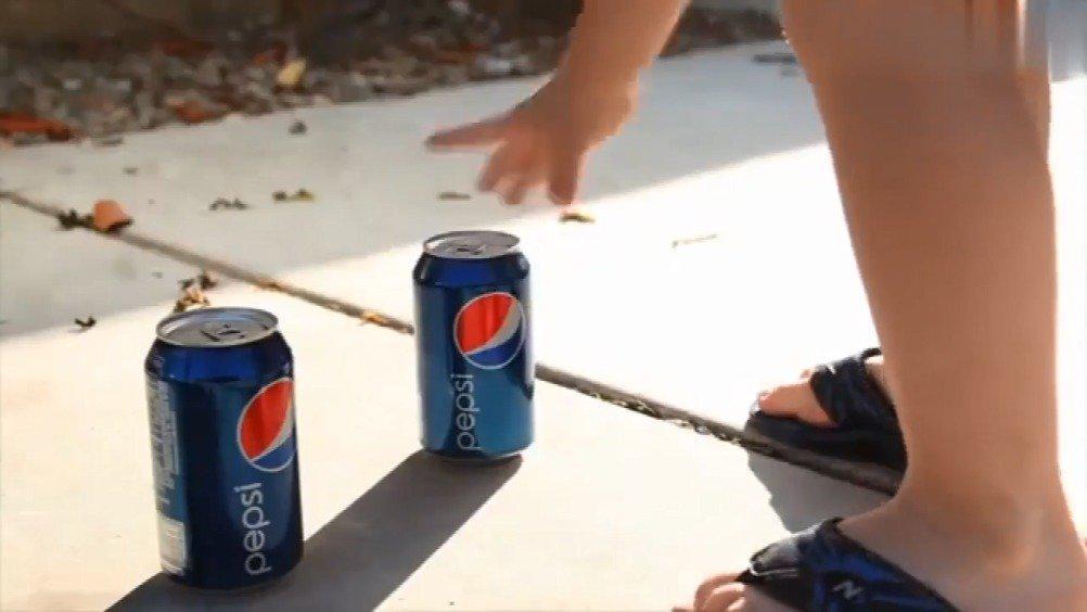 可口可乐和百事可乐的互怼广告合集……