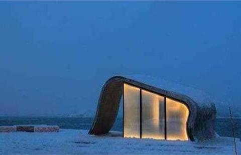 挪威有一座最美的厕所,提供即时咖啡,还能看到北极光!