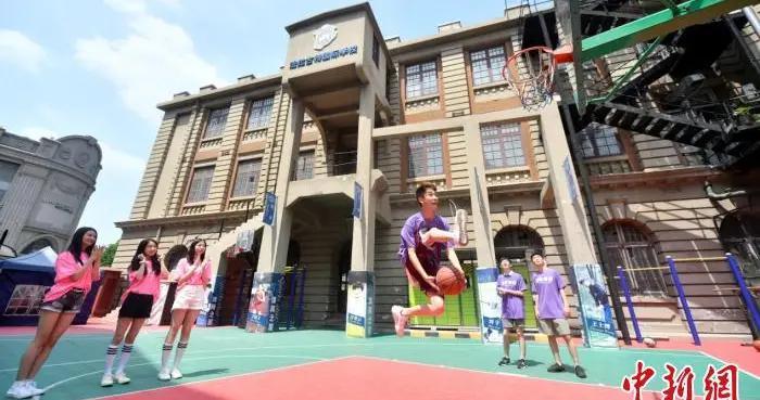 """天津:国际学校""""必胜青年""""满怀信心轻松迎高考"""